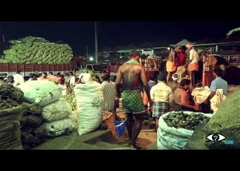 Vegetable donation by Koyambedu vendors